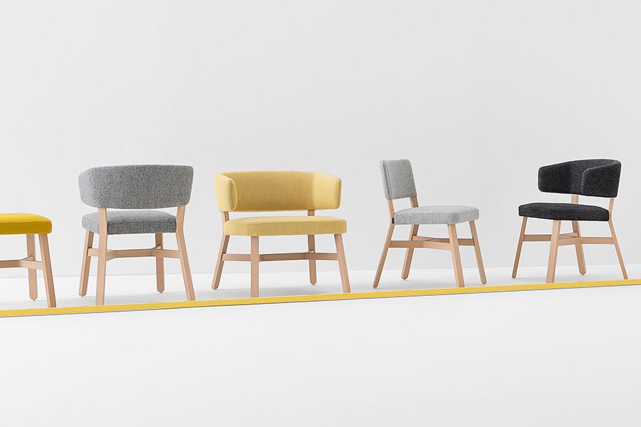 Croissant Chair 4