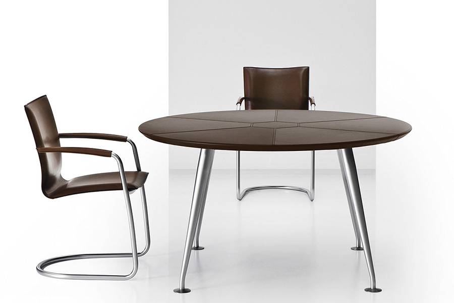 Orazio - Round Leather Table